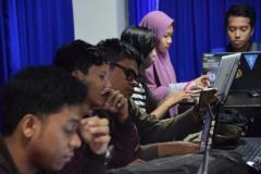 Para peserta dari berbagai kampus menunjukkan bahwa masyarakat Bali peduli dan mampu memanfaatkan TIK untuk merawat seni dan budaya